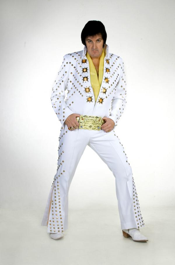Alvin the ultimate Elvis tribute at Three Locks Golf Club
